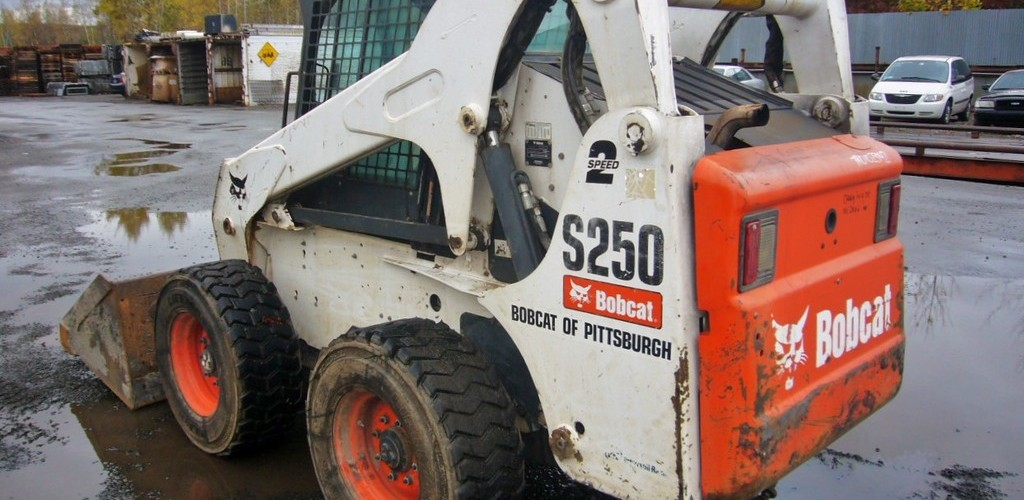 Аренда минипогрузчика  Bobcat S 250 1